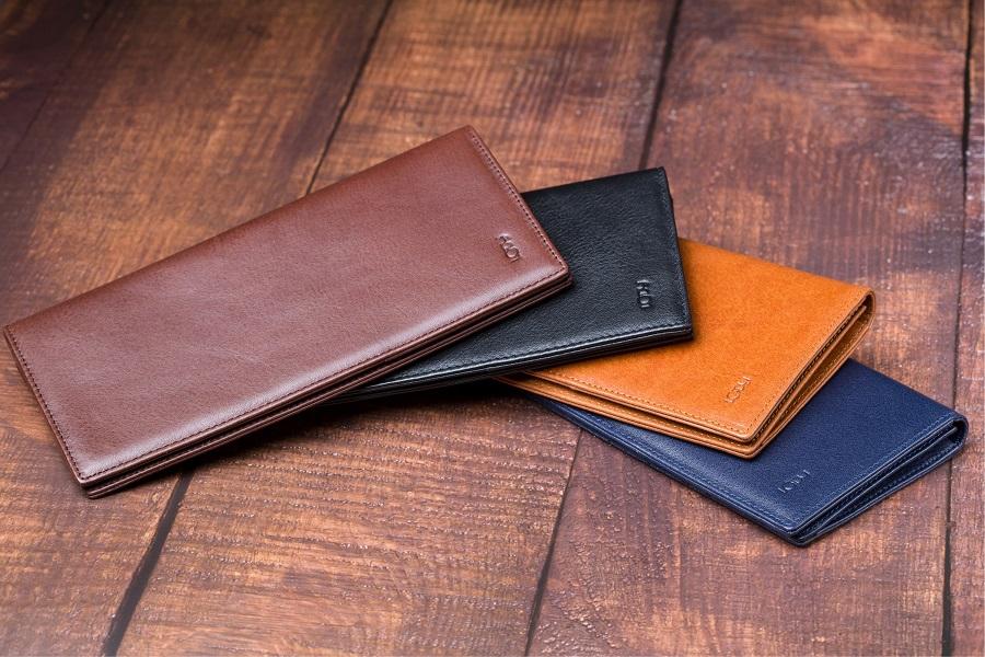 Mách anh em cách giữ ví da nam đẹp như mới tại nhà